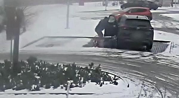 accidente aparcando el coche