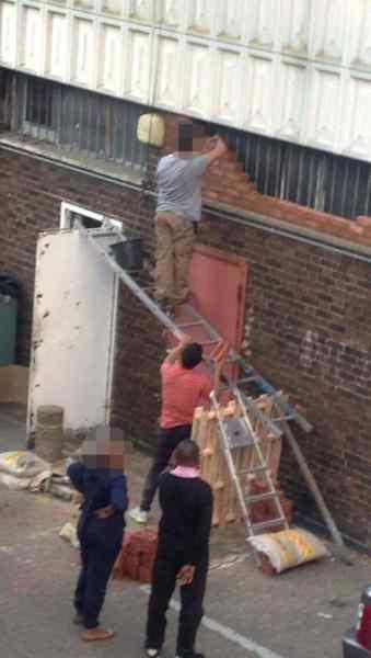 Image11 7 - Desafiando a la muerte en el trabajo, imágenes graciosas de gente descerebrada.