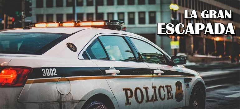 Detenido escapa del coche de la policía