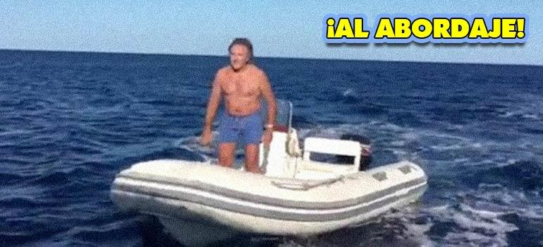 Este Italiano enfadado decide abordar un barco y pasa lo que pasa. 6