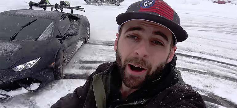 Hacer snowboarding usando un lamborghini en una tormenta de nieve. 7