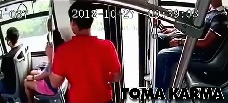 Intenta robar un teléfono en el autobús y atentos a lo que ocurre... 1