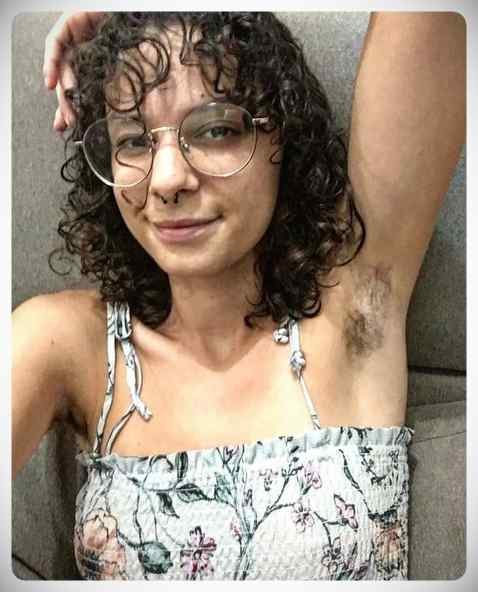 Januhairy, 20 fotos de mujeres reclamando el vello corporal. 22