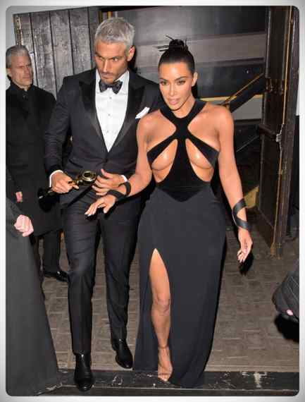 Kim Kardashian vuelve a sorprender a todos con su vestido. 3