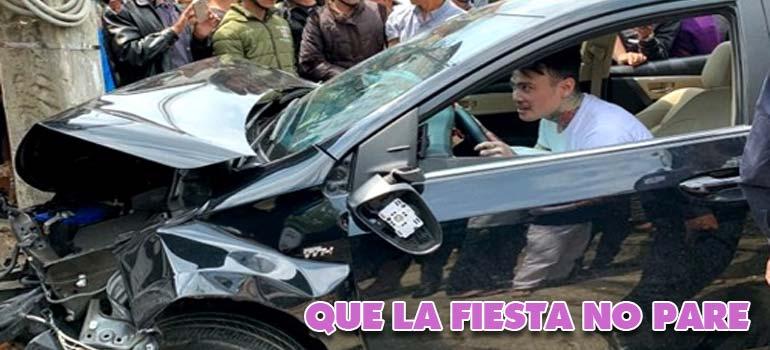 accidente drogado - Choca contra cinco motos y un taxi pero continua bailando y de fiesta.