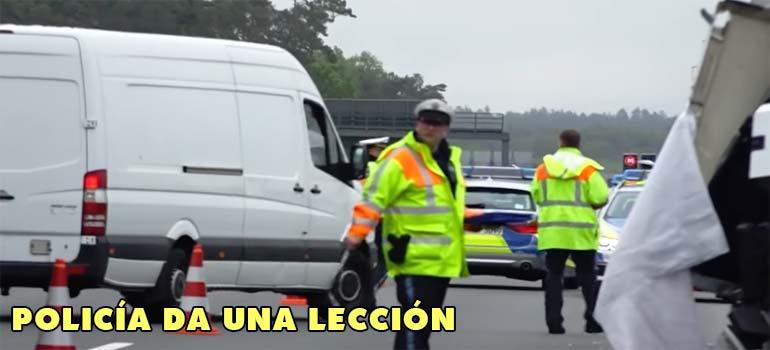 Policía de tráfico da una lección a todos los curiosos. 3