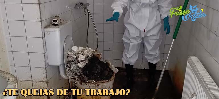 Limpieza del baño mas sucio que he visto en mi vida. 7