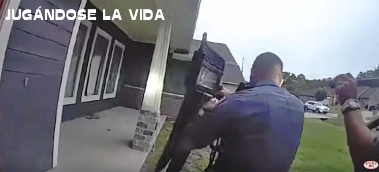 Momentos de tensión cuando la policía acude a una casa asaltada. 6