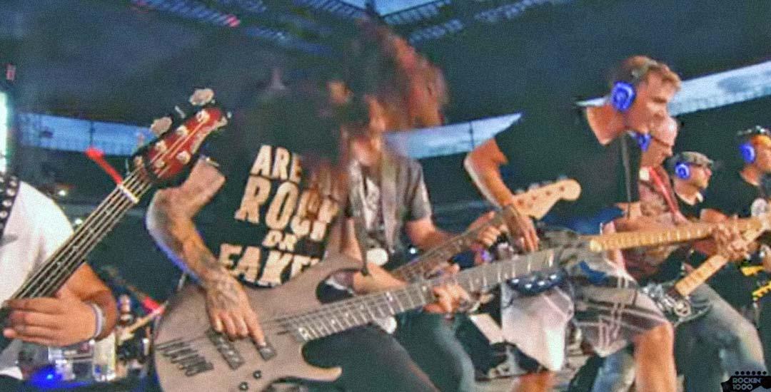 1.000 músicos tocando a la vez Killing In The Name de Rage Against The Machine. 5