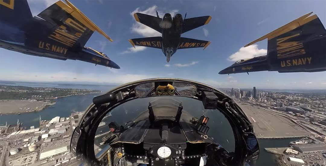 Espectacular vídeo grabado desde la cabina de uno de los Navy Blue Angels. 9