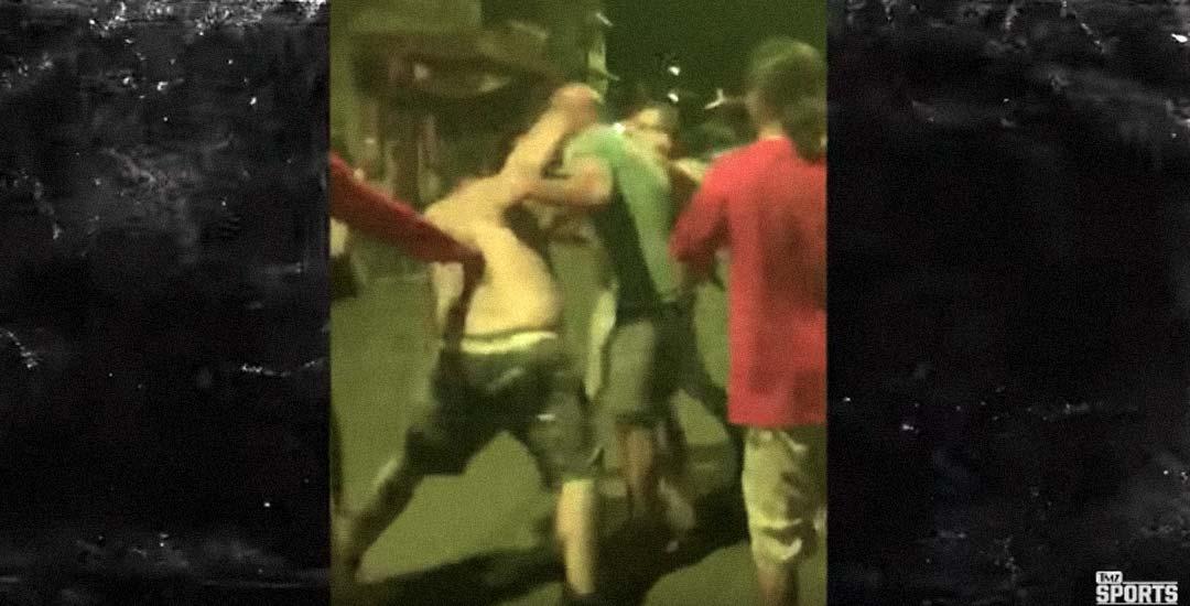 Campeón de UFC Bj Penn, noqueado en una pelea callejera por un gordo. 1