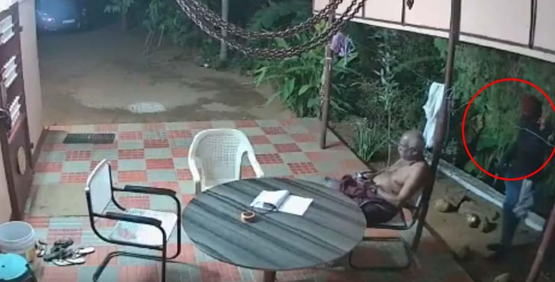 Ladrones entran en su casa y estos abuelos se enfrentan a ellos. 6