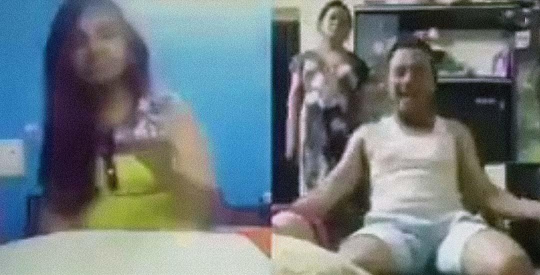 Pillado por su mujer en un videochat con otra. Vídeo. 26