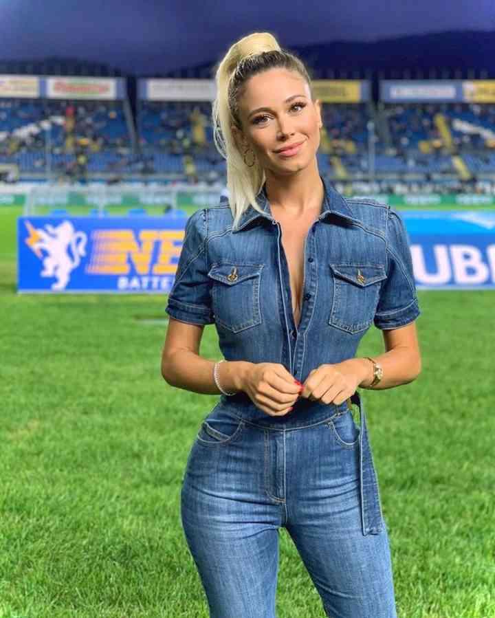 Dileta Leotta, fotos y vídeos de lo ocurrido durante el Nápoles-Brescia 5