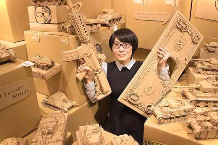 20 Esculturas creadas con cartón que te van a sorprender 21