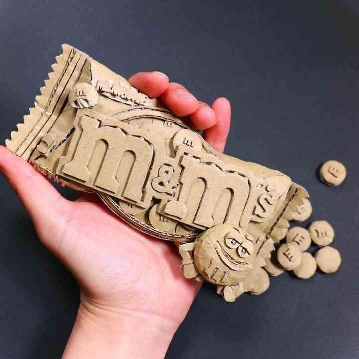 20 Esculturas creadas con cartón que te van a sorprender 11