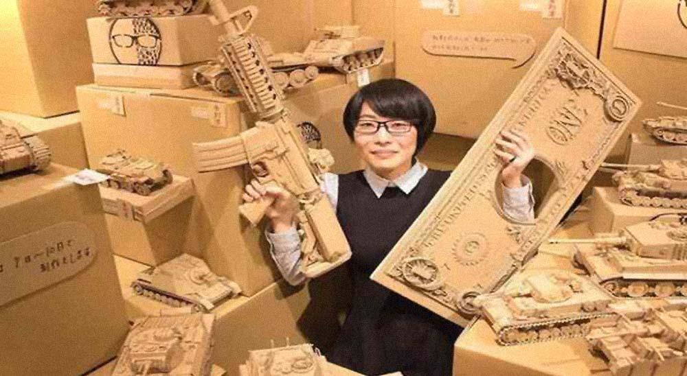 20 Esculturas creadas con cartón que te van a sorprender 3