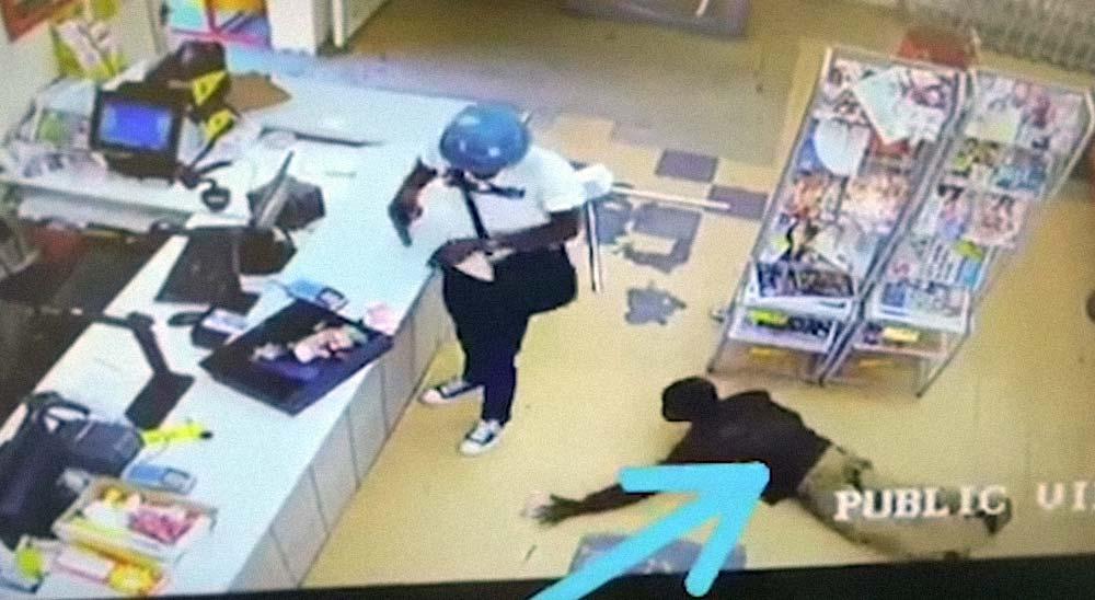 Ladrón es robado mientras atraca una tienda 5