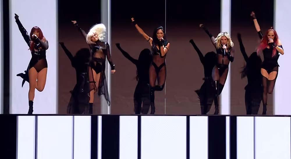Pussycat Dolls la lía en X-Factor por su actuación demasiado sexy 8