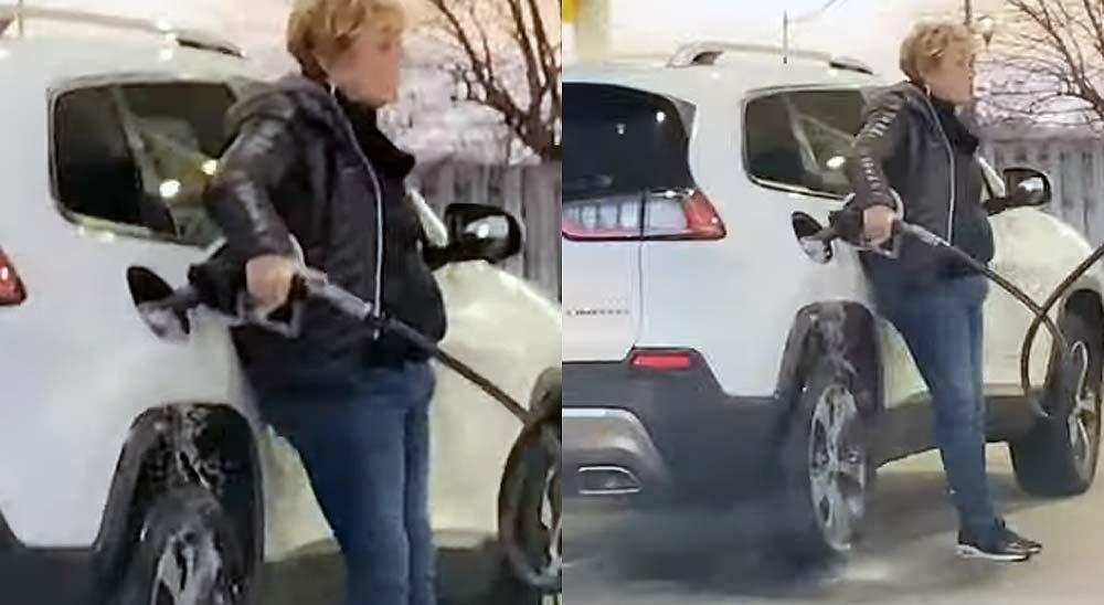 Fail repostando gasolina, este deposito nunca se llena!!! 17