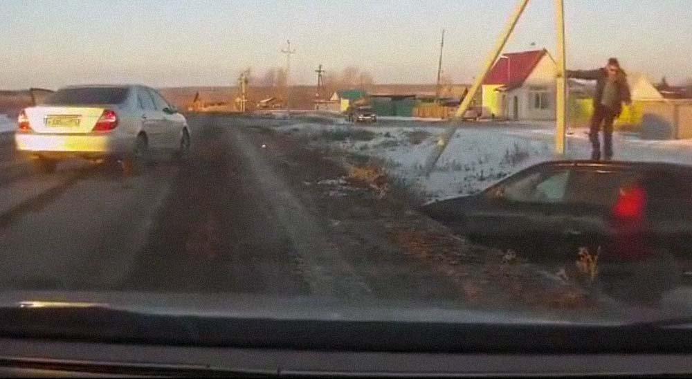 Mientras en Rusia dos conductores solucionan sus diferencias 2