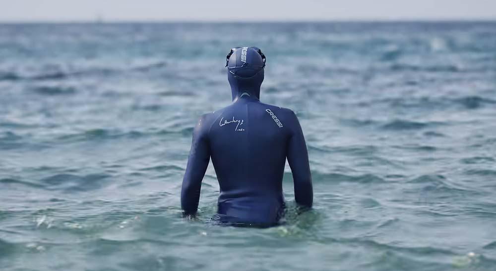 Espectacular vídeo de Guillaume Néry buceando por distintos océanos 7