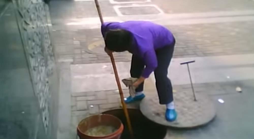 Restaurantes en China que usan aceite sacado de las alcantarillas 6