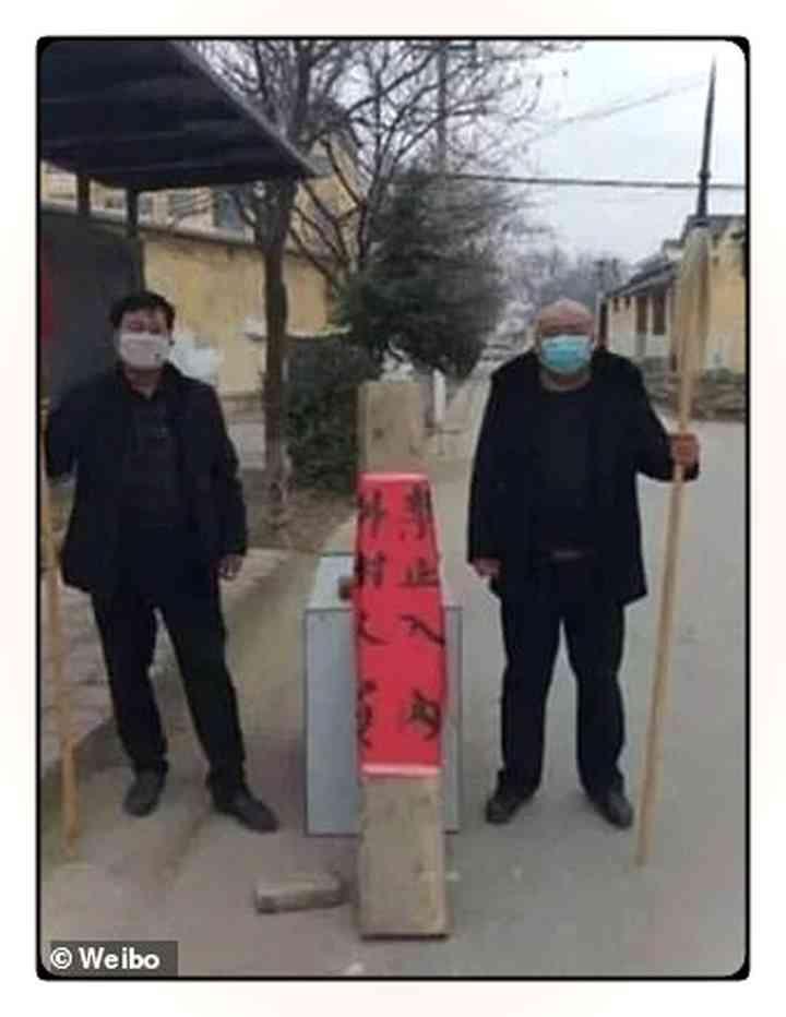 Los aldeanos Chinos fortifican pueblos para evitar que entre gente infectada [Vídeos y fotos] 4
