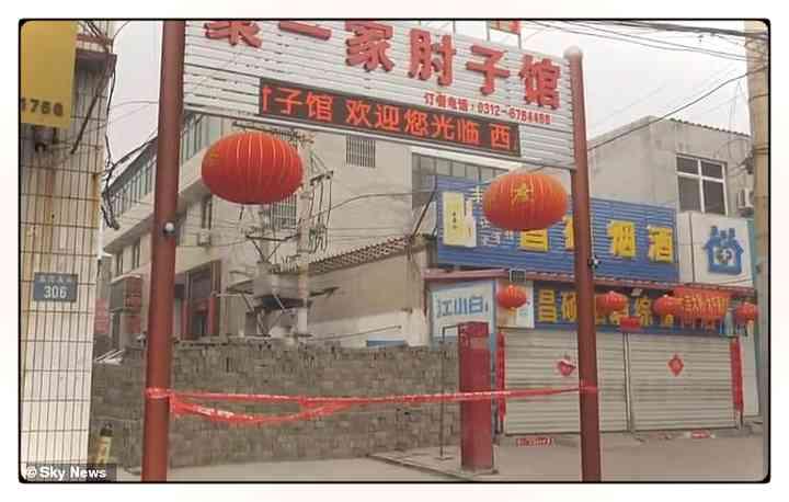 Los aldeanos Chinos fortifican pueblos para evitar que entre gente infectada [Vídeos y fotos] 11