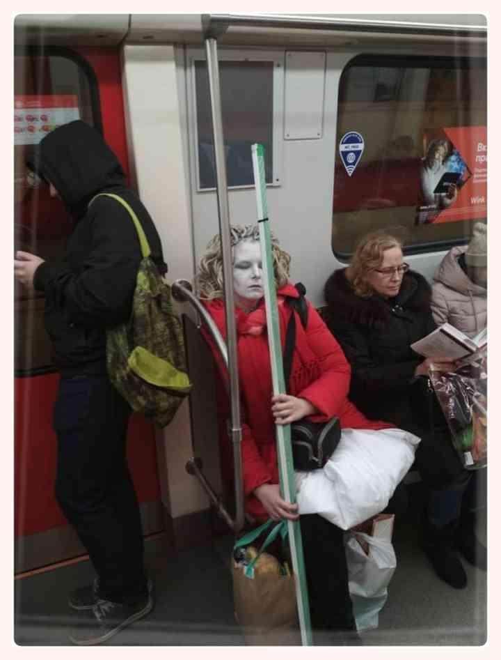 13 Sorprendentes personas encontradas en el Metro 6