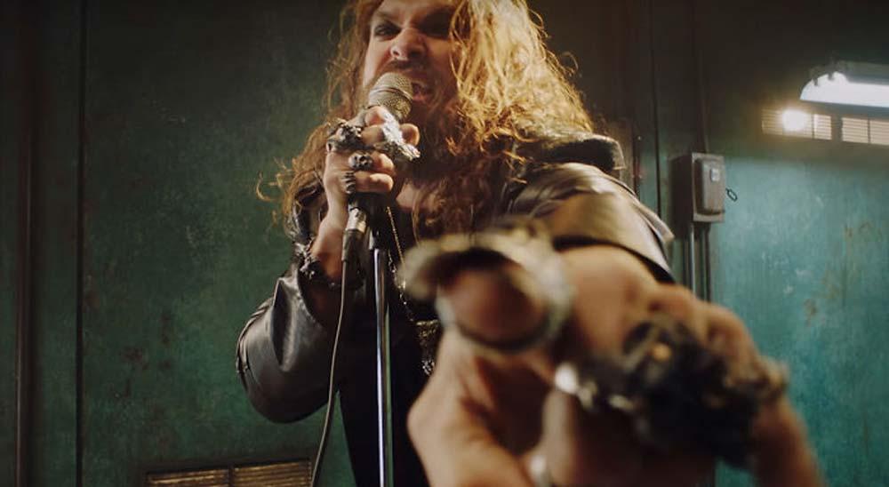 Jason Momoa en el vídeo del nuevo disco de Ozzy Osbourne, Ordinary Man 12