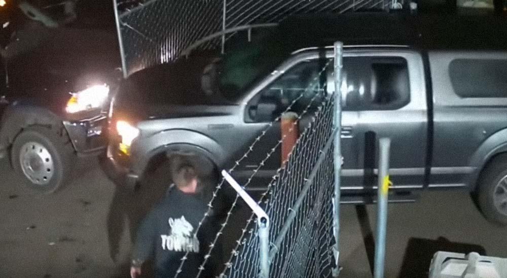 La policía busca a la mujer de este vídeo por robar una camioneta 6