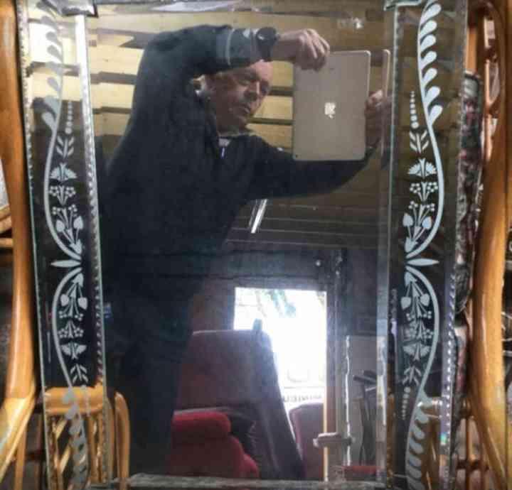 20 divertidas fotos de personas que intentan vender un espejo 18