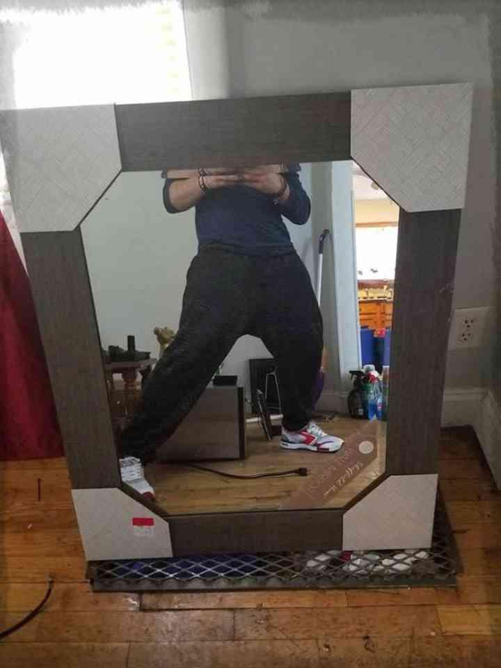 20 divertidas fotos de personas que intentan vender un espejo 13
