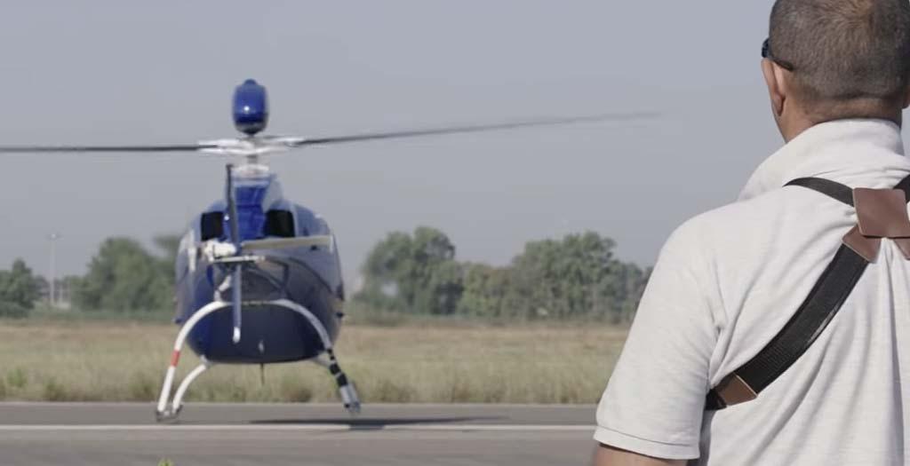 Helicóptero equipado con paracaídas 8
