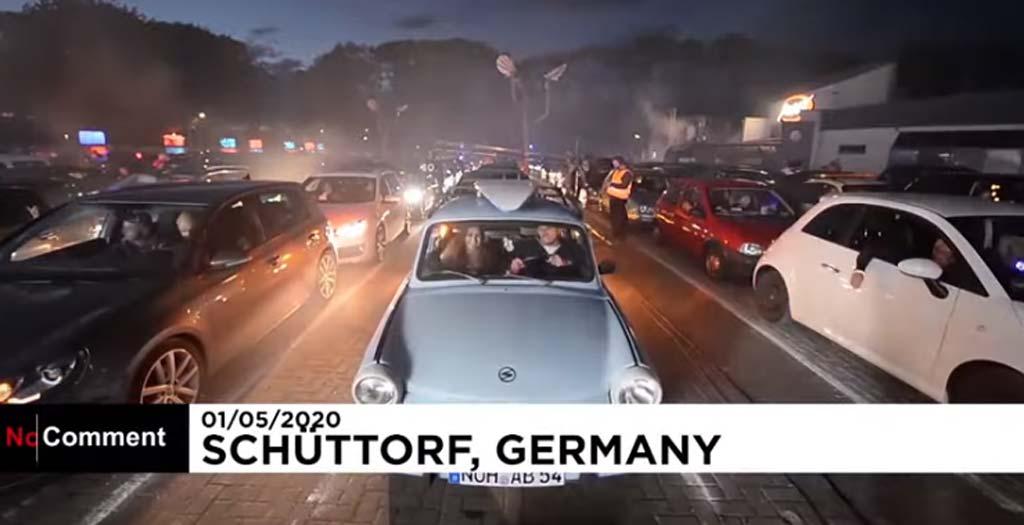 En Alemania celebran una original Car-Disco durante la pandemia 3