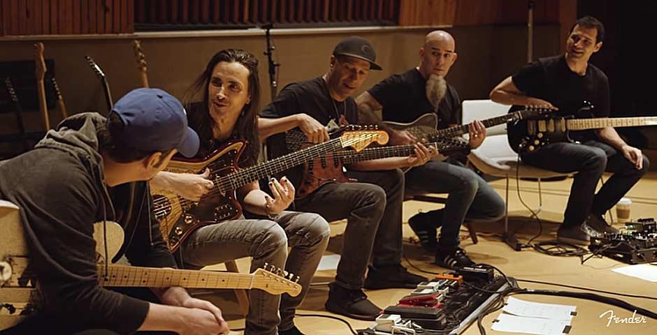 El tema de Juego de tronos, tocado por Tom Morello, Scott Ian y Nuno Bettencourt entre otros 1