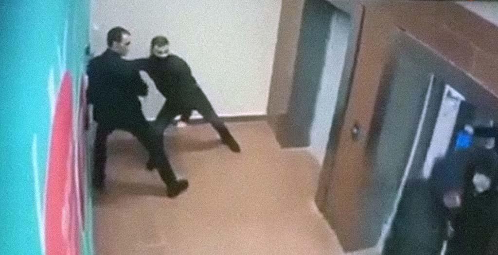 5 ladrones intentando escapar de 1 policía 2