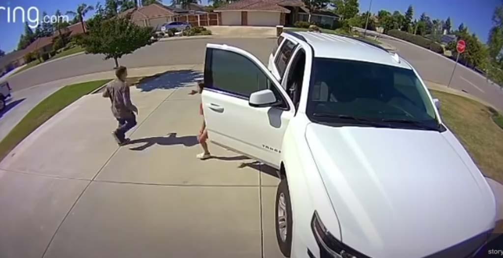 Una niña asusta al ladrón que estaba apunto de entrar en su casa 10