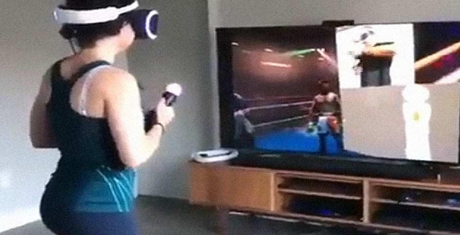 Se pone nerviosa en un juego de boxeo con realidad virtual 5