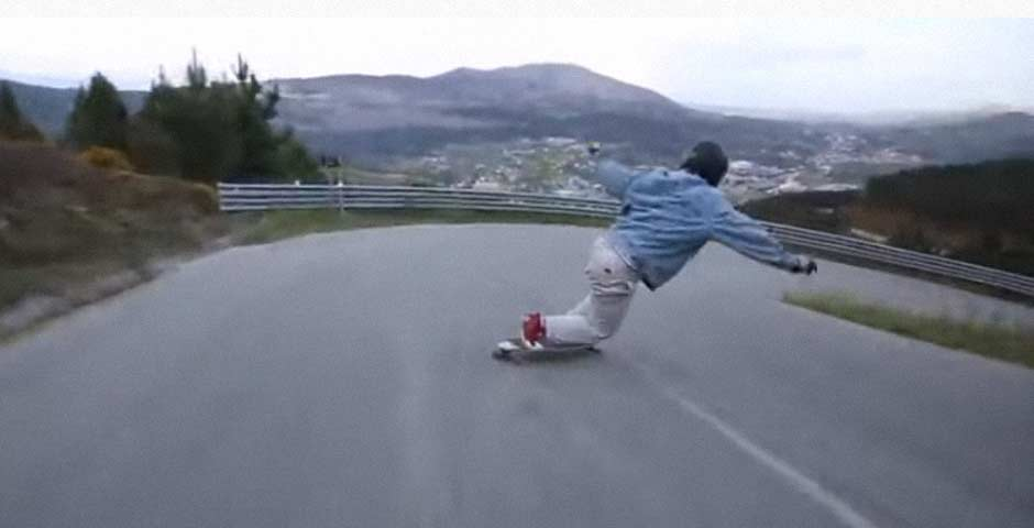 Se busca a este skater, visto por ultima vez en este vídeo 7