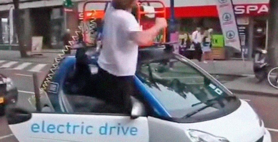 ¿Qué ocurre cuando nos quedamos tirados con un coche eléctrico? 16
