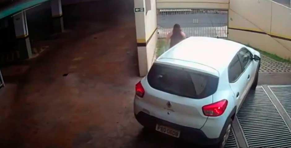 Una conductora se atropella a si misma 1