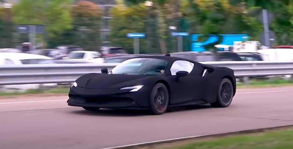 El Ferrari SF90 más negro de todos los tiempos 21