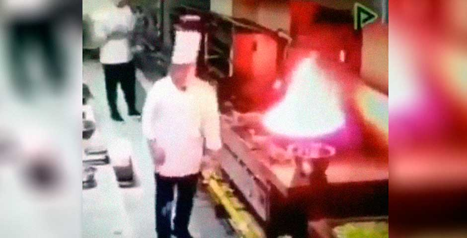 Se incendia la cocina y la reacción de los cocineros te va a sorprender 5