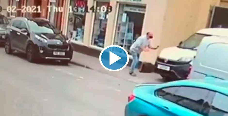 Un peatón es atropellado y el vídeo te va a sorprender 5